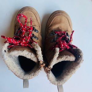 GAP boy winter boots size US9
